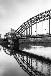 Railway Bridge in Frankfurt/Main | Eisenbahnbrücke in Frankfurt/Main