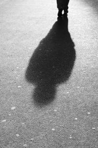 Shadows on the Street, Vienna   Schattenwurf eines Passanten auf Wien´s Straßen