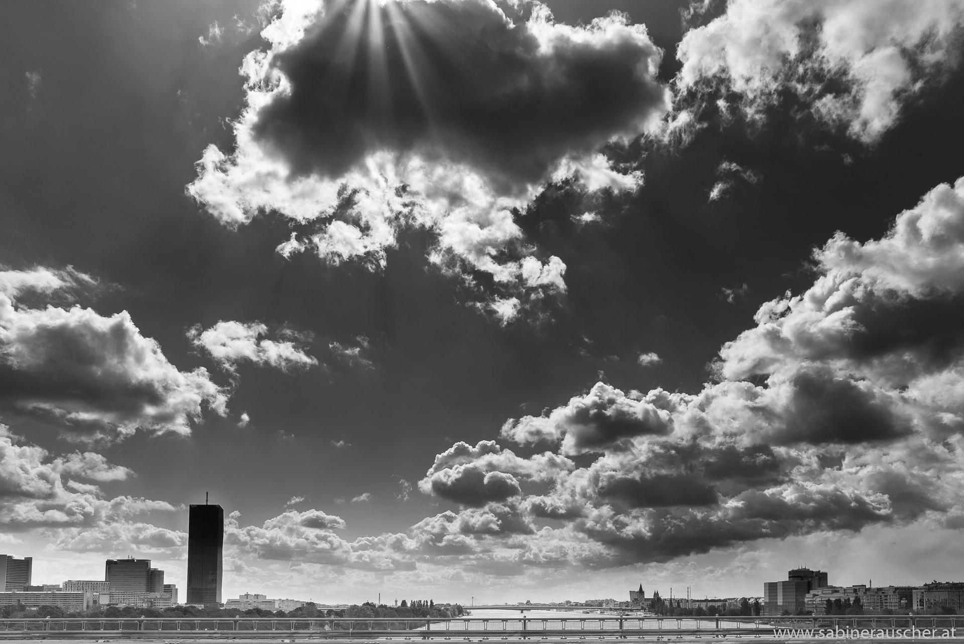 clouds over Vienna´s Danube | an der Donau in Wien