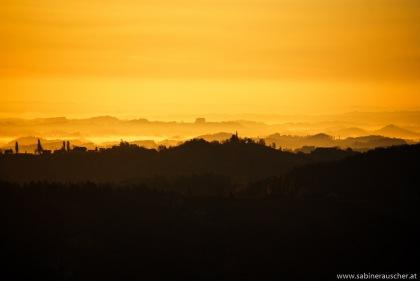 Morning light over the hills of South Styria   Morgenlicht über den südsteirischen Hügeln