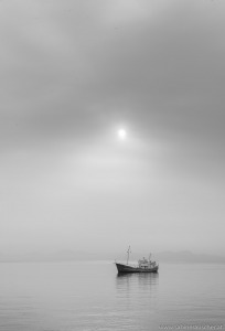 Ship in the morning´s first light at Mallorca | einsames Boot im Morgenlicht auf Mallorca