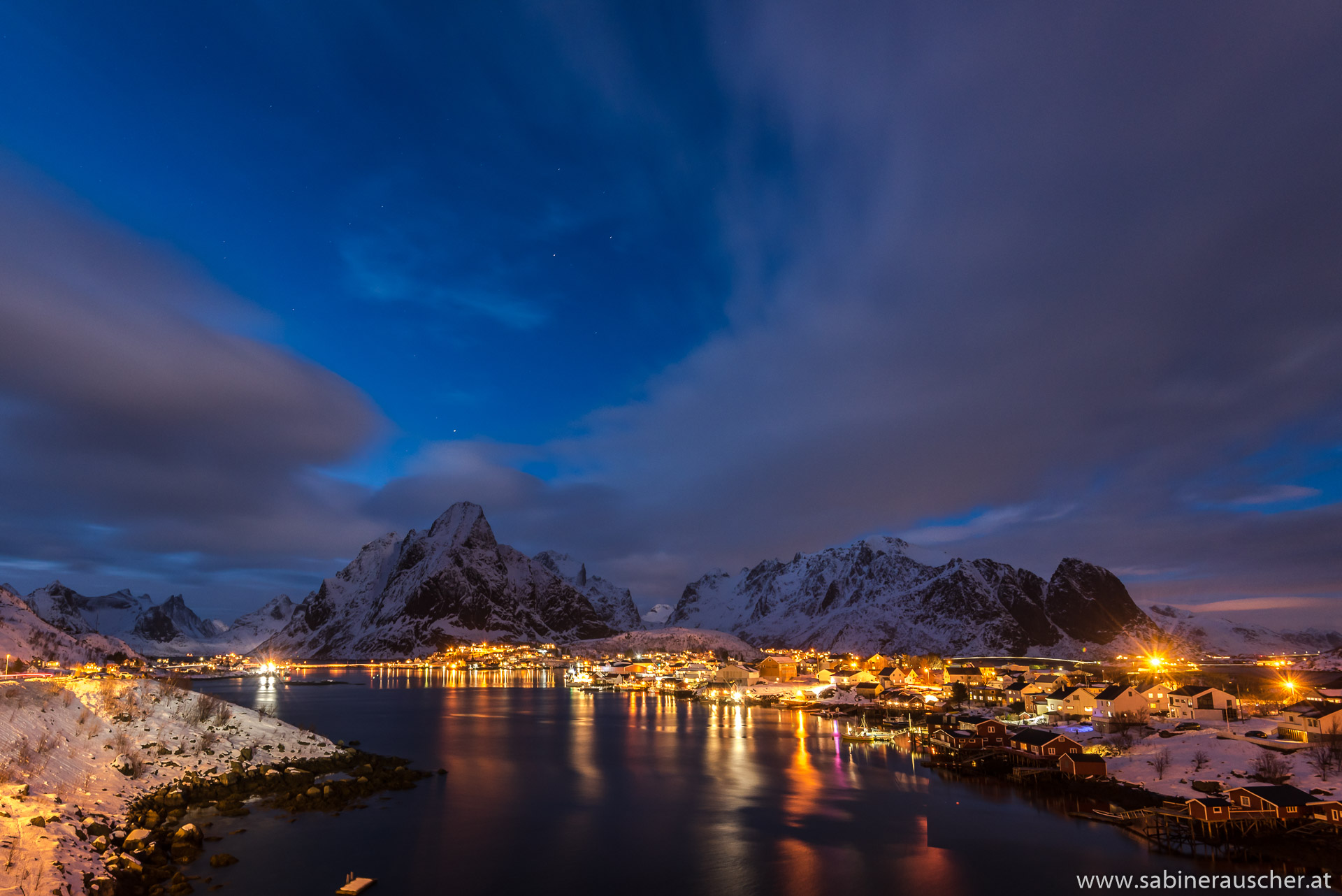 Skyline of Reine in the evening | abendliche Skyline von Reine