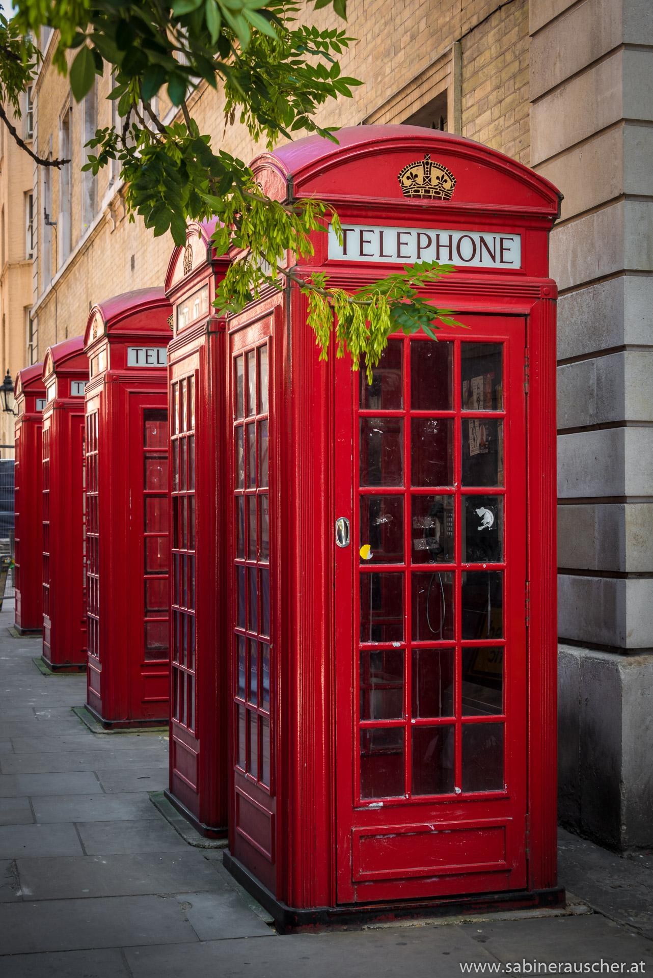 phone booths in London | typische Telefonzellen in London