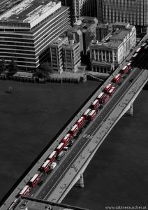 Public Transport in London seen from the Shard | London´s Busse von The Shard aus gesehen