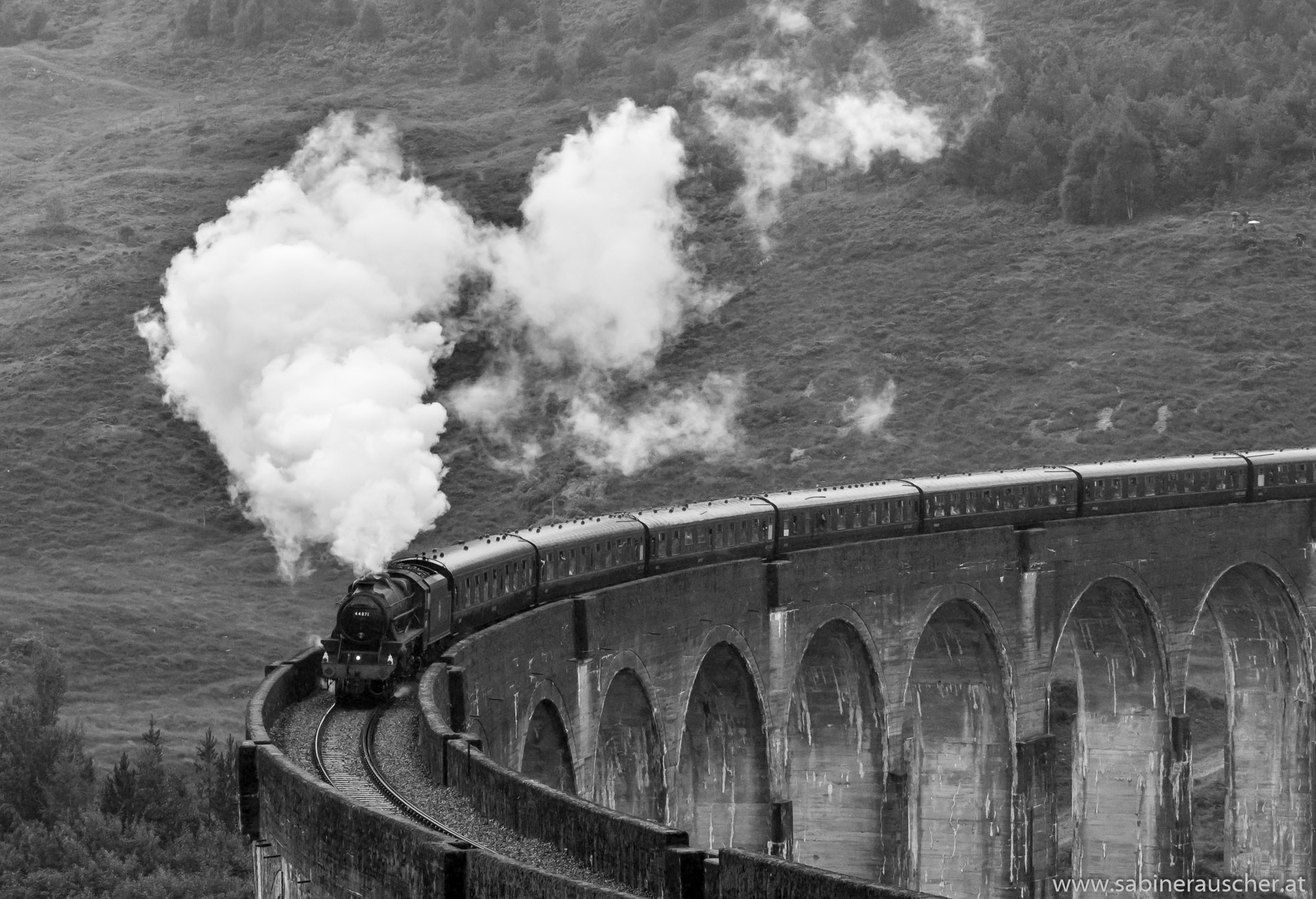 Jacobite Steam Train on the Glenfinnan Viaduct | Jacobite Dampfzug am Glenfinnan Viadukt