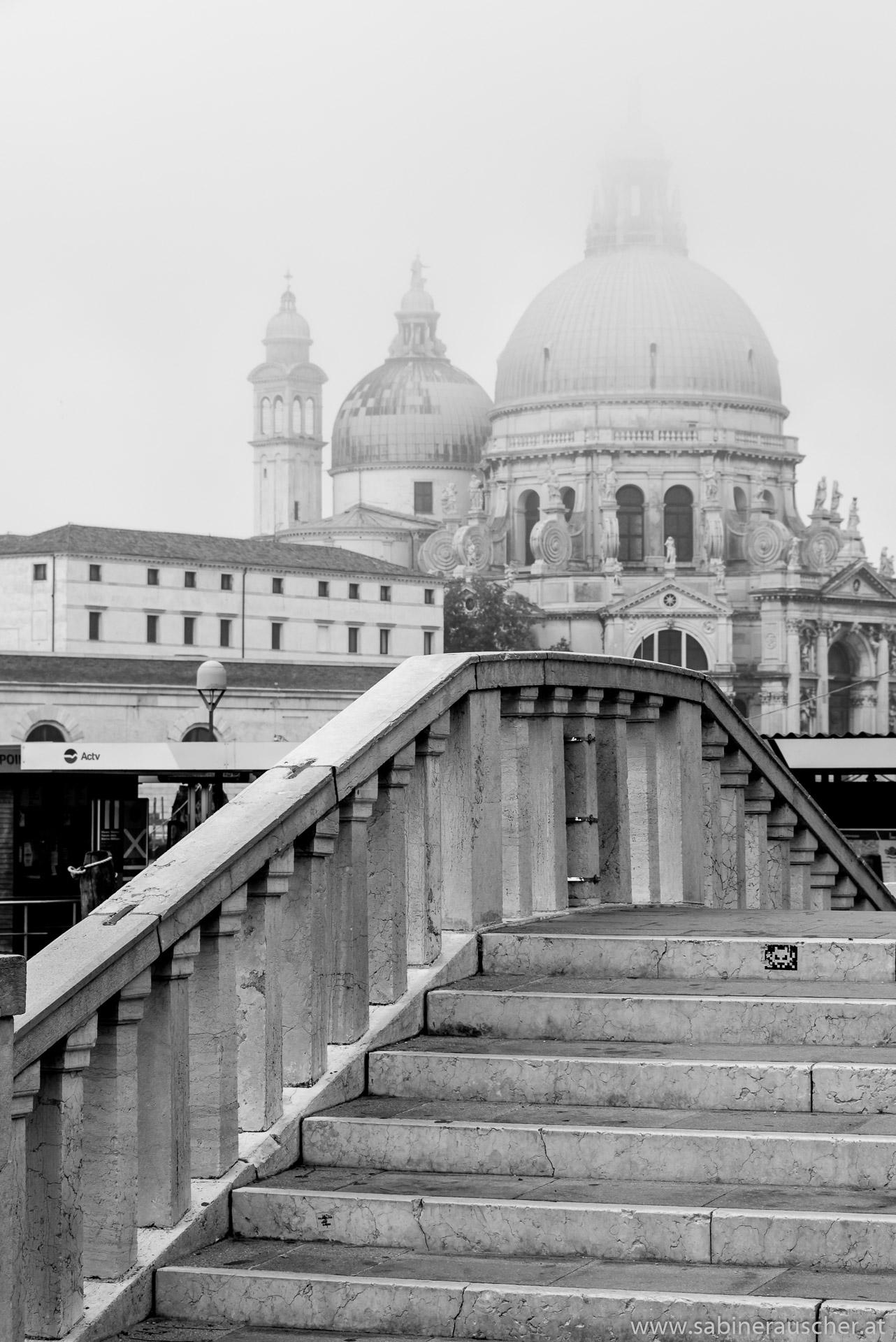 Venice - Santa Maria della Salute on a misty morning | Venedig - Santa Maria della Salute im Nebel