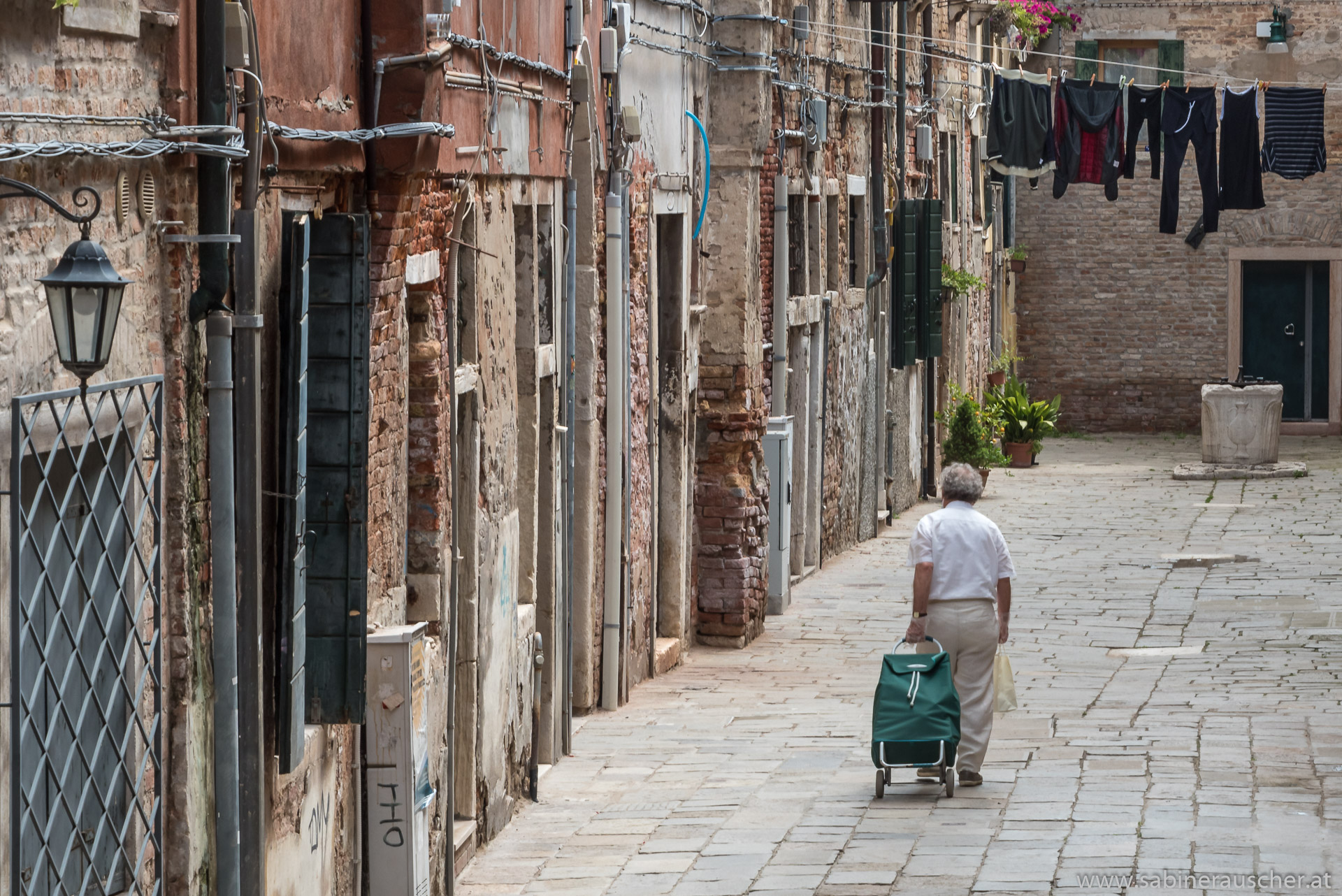 Venice - offside the touristy paths | Venedig -  abseits der Touristenpfade