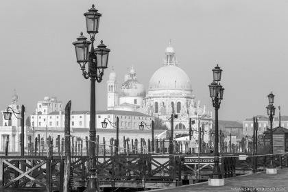 Venice - Santa Maria della Salute during a misty morning | Venedig - Santa Maria della Salute im Nebel