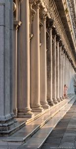 Venice - Columns at Piazza di San Marco | Venedig - Säulengang entlang des Markusplatzes