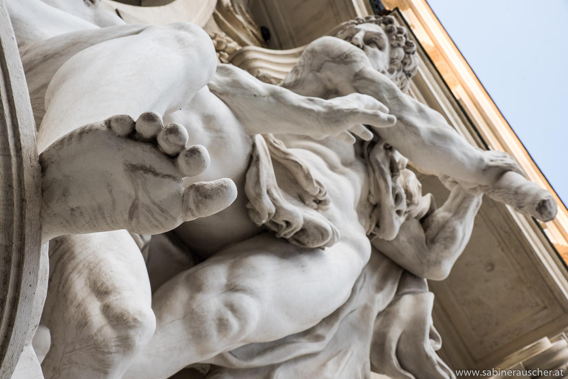 Detail of a Viennese Statue | Ausschnitt einer Statue in Wien